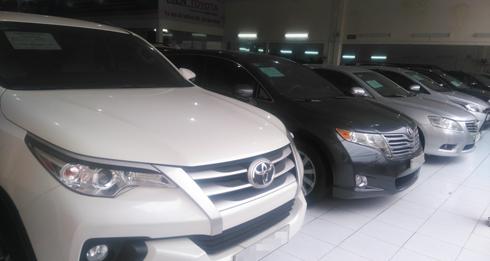 Toyota Fortuner 'lướt' đắt hơn 200 triệu so với xe mới - ảnh 2