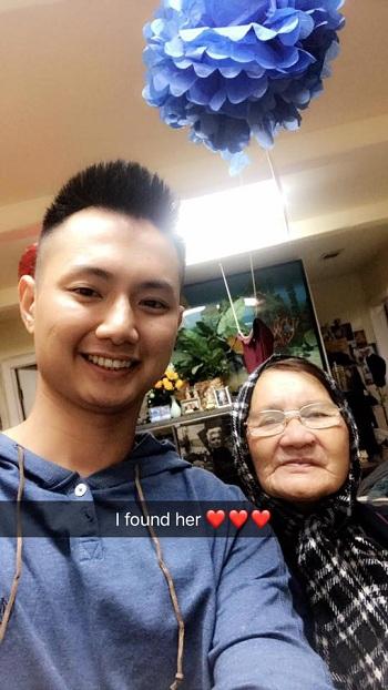 Nam sinh Mỹ gốc Việt tìm được bà cụ bán hoa ngày 25/12 và cảm ơn cộng đồngđã chia sẻ thông tin. Ảnh: Facebook Luan Nguyen