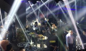 Hàng trăm cảnh sát bao vây hai quán bar lớn nhất TP HCM
