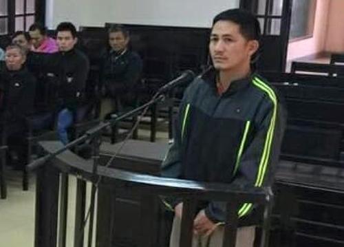 Bị cáo Hùng tại phiên xử. Ảnh: Đ.H