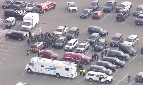 Lực lượng chức năng tại hiện trường ở thành phố Denver, bang Colorado. Ảnh: KDVR.