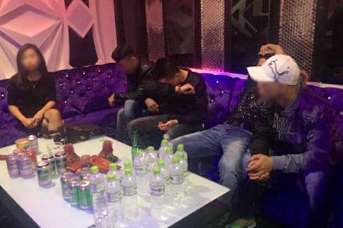 5 thanh niên trong tiệc ma túy. Ảnh: C.A