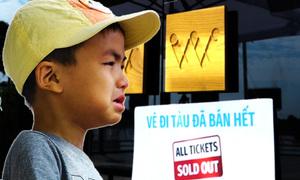 Buýt đường sông Sài Gòn quá tải ngày đầu năm 2018