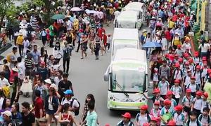 Hàng nghìn người đổ về khu du lịch lớn nhất Sài Gòn