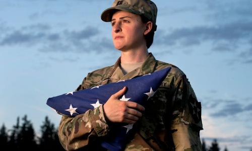 Binh sĩ chuyển giới thuộc lục quân Mỹ. Ảnh: RAND.