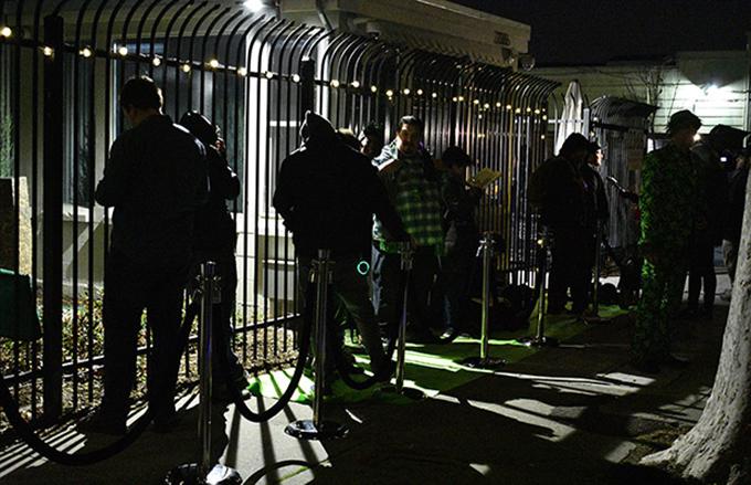 Dân California xếp hàng trắng đêm đầu năm mới để mua cần sa