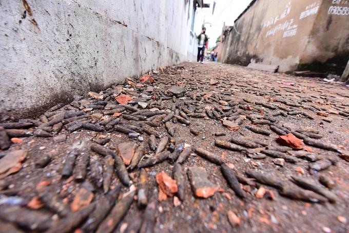 Đạn rơi như vãi thóc sau vụ nổ kho phế liệu ở Bắc Ninh