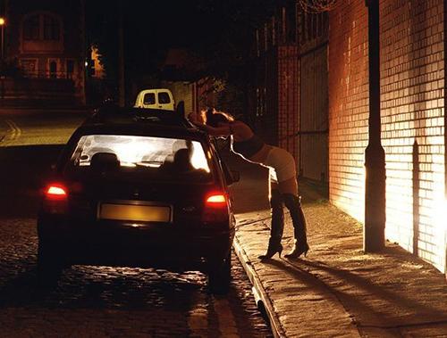 Với nhiều phụ nữ, bán dâm lànguồn thu nhập duy nhất của họ. Ảnh:Hull Daily Mail