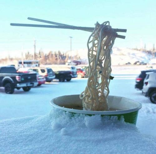 Kem mỳ mùa đông.