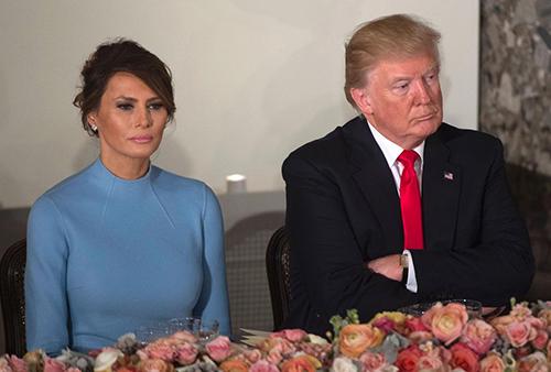 Thái độ không vui của vợ chồng Trump trong ngày nhậm chức 21/1/2017. Ảnh: AFP