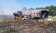 Tàu hỏa đâm xe tải, bốc cháy dữ dội tại Nam Phi