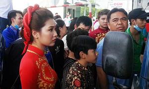 Đoàn ôtô rước dâu bị kẹt ở trạm BOT Cần Thơ - Phụng Hiệp