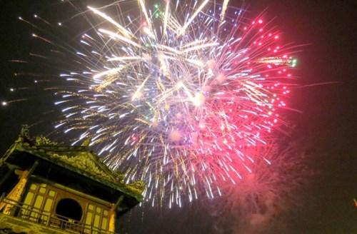 Thừa Thiên Huế sẽ bắn pháo hoa tại hai điểm mừng năm mới. Ảnh: Vạn An.
