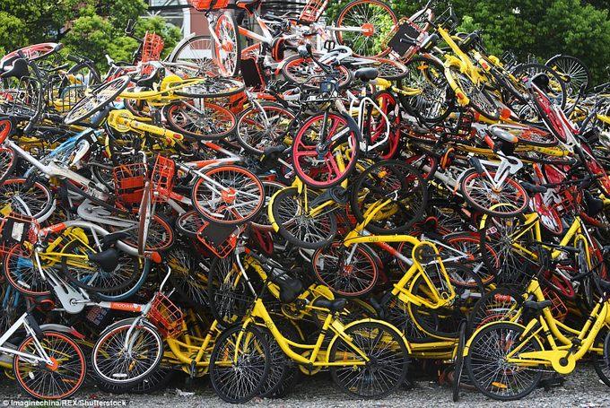 Những nghĩa địa xe đạp khổng lồ ở Trung Quốc