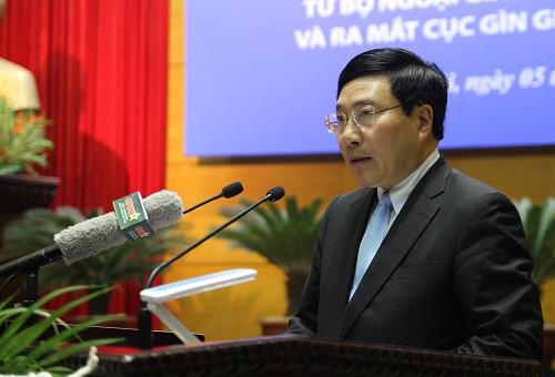 Phó Thủ tướng Phạm Bình Minh đánh giá việc tham gia gìn giữ hòa bình của Liên Hợp Quốc góp phần nâng cao vị thế của Việt Nam trên trường quốc tế. Ảnh: Thanh Tùng