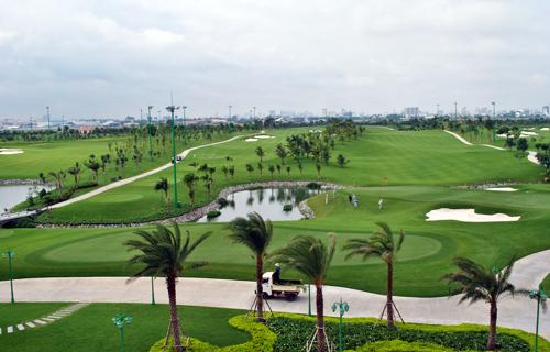 Sân golf rộng 157 ha trong sân bay Tân Sơn Nhất. Ảnh:Mạnh Tùng.