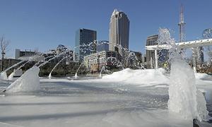 'Bom bão tuyết' tấn công nước Mỹ, người chết cóng trước hiên nhà