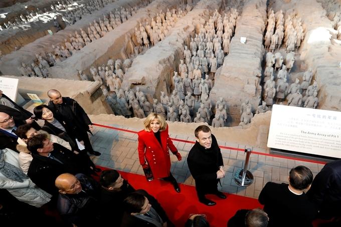 Tổng thống Pháp thăm đội quân đất nung của Tần Thủy Hoàng