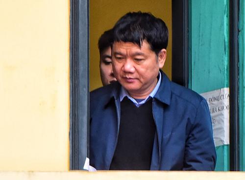 Ông Đinh La Thăng tại căn phòng ở tòa án. Ảnh: Giang Huy