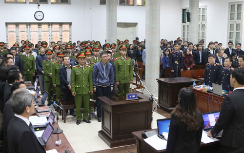 22 bị cáo hầu tòa. Ảnh: TTXVN