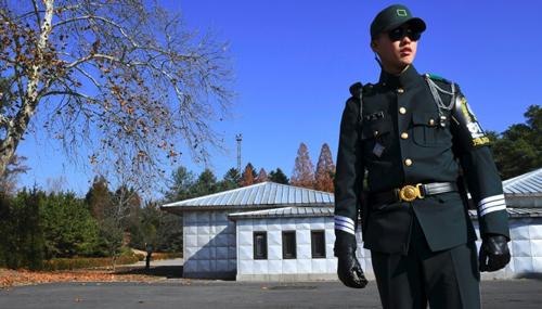 Đàm phán cấp cao Hàn - Triều diễn ra tại làng đình chiến Bàn Môn Điếm. Ảnh: AFP.
