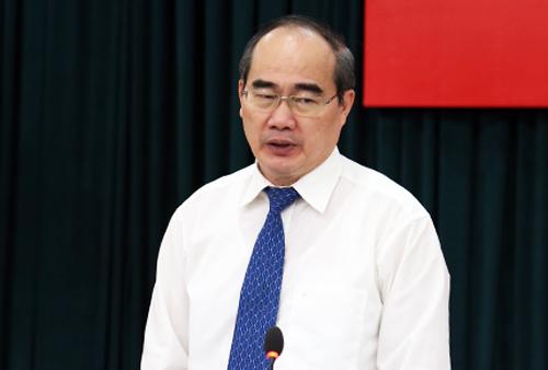 Bí thư Thành ủy TP HCM Nguyễn Thiện Nhân phát biểu mở đầu buổi gặp. Ảnh: Thiên Ngôn