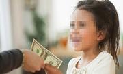 Cú lừa tiền hoàn hảo của bé 10 tuổi xin quá giang về quê