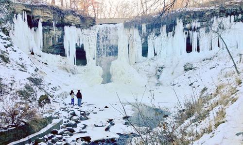 Khung cảnh ấn tượng tại thácMinnehaha trong đợt lạnh khác thường. Ảnh: Weather.