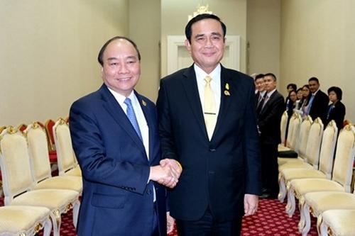 Thủ tướng Nguyễn Xuân Phúc và Thủ tướng Thái LanPrayut Chan-o-cha. Ảnh: VGP.