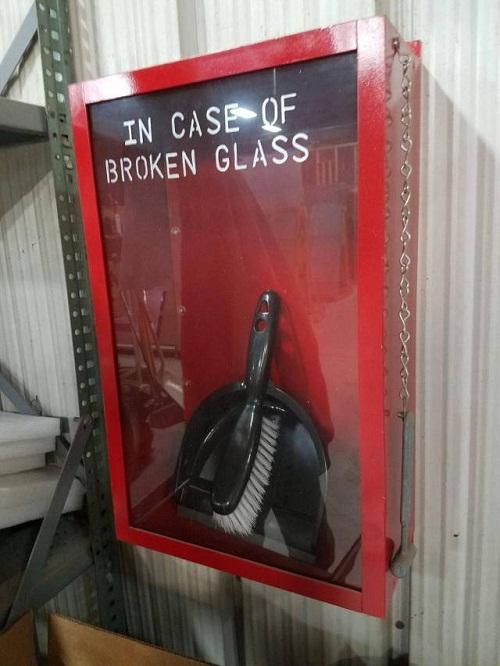 Dùng trong trường hợp kiếng vỡ.