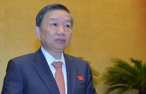 Bộ trưởng Công an Tô Lâm khẳng định tính quan trọng của dữ liệu người sử dụng trong dự Luật an ninh mạng. Ảnh: Q.H