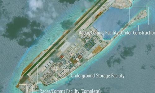 Các cơ sở trái phép của Trung Quốc ở đá Chữ Thập. Ảnh: Reuters.