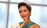 Hoa hậu H'Hen Niê khóc khi nói về các cô gái ở buôn làng