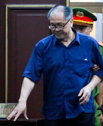 Ông Phạm Công Danh bị bệnh thận, liên tục mệt trong ba ngày qua. Ảnh: Quỳnh Trần.