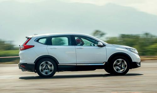 Honda CR-V rơi vào cảnhngược chính sách khi chuyển từ lắp ráp sang nhập khẩu.