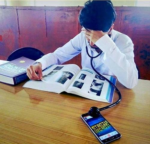 Khi bác sĩ bỏ quên tai nghe.