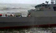 Tàu hộ vệ tối tân Iran bị sóng đánh dạt vào bờ