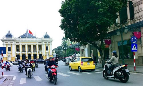 Đường phốở gần Nhà Hát Lớn, Hà Nội. Ảnh: Giang Huy.