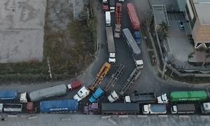Cuối năm, đường vào cảng Cát Lái kẹt xe từ trưa đến tối