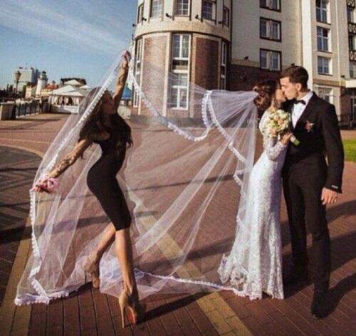 Đừng bao giờ mời người yêu cũ làm dâu phụ.