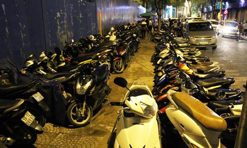 Dẹp sạch vỉa hè sẽ chống được kẹt xe Sài Gòn