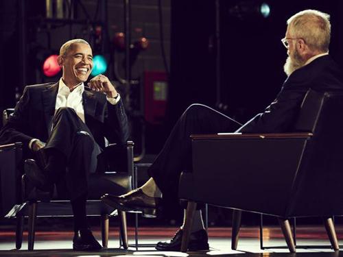 Ông Barack Obama xuất hiện trong talkshow. Ảnh: Netflix.