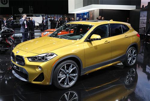 BMW X2 - đối thủ mới của Mercedes GLA