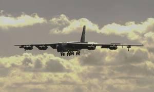 Mỹ triển khai 6 máy bay ném bom B-52 đến đảo Guam