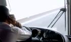 Đề xuất cấm sử dụng điện thoại di động khi lái ôtô