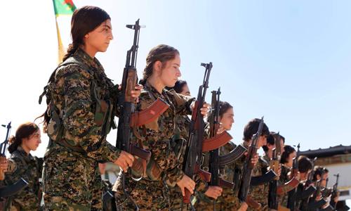 Các nữ chiến binh thuộc lực lượng dân quân người Kurd ở Syria. Ảnh: AFP.