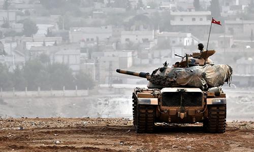 Thổ Nhĩ Kỳ đe dọa sẽ đưa xe quân vào lãnh thổ Syria để tiêu diệt lực lượng an ninh biên giới do Mỹ thành lập. Ảnh: Sputnik.