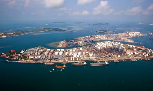 Nhà máy lọc dầu của Shell ở Pulau Bulom. Ảnh: Shell.