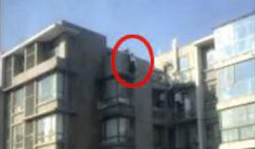 Tòa nhà nơi Wang giải cứu người phụ nữ. Ảnh:Qianjiang Evening News