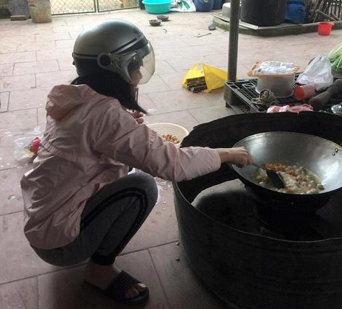 Mũ bảo hộ khi vào bếp.